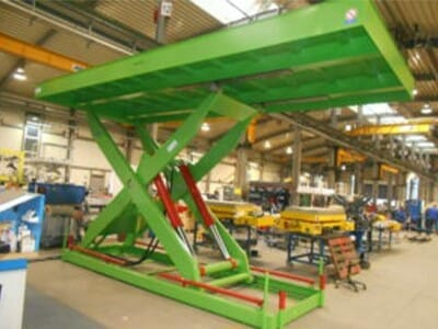 Photo Plant lifting table in green