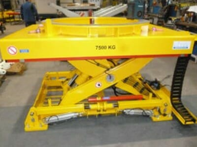 Photo Plant lifting table in yellow
