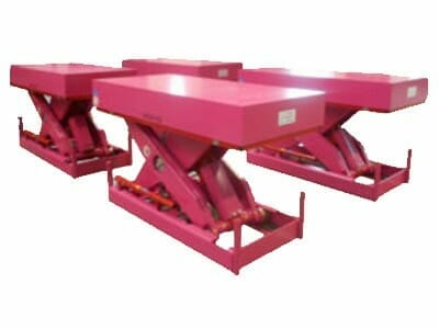 Various plant lifting table in pink
