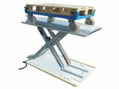 Figure Flat lifting table with trolley
