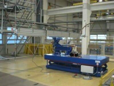 Abbildung Hydraulik-Hub-Kipptisch eingefahren