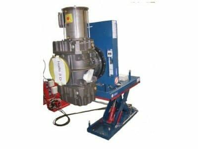 Abbildung Hydraulik-Hub-Kipptisch mit Maschine