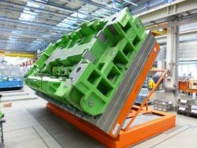 Abbildung Hydraulik-Hub-Kipptisch gekippt mit Fracht