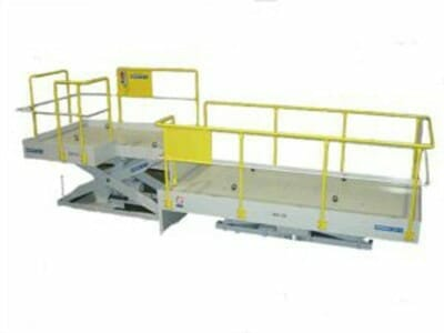 Illustration of mechanically driven lifting table in white