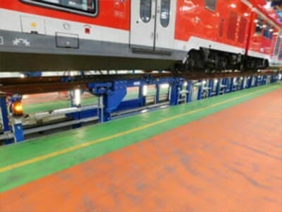Gleisanlage mit schwenkbaren Gleisbrücken