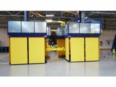 Fahrbare Hubarbeitsbühne in gelb