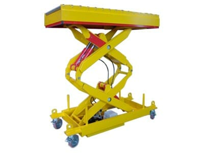 Photo Lifting table with conveyor technology in yellow