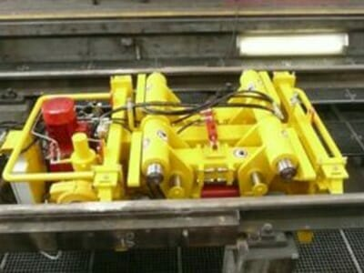Hydraulically driven rollers