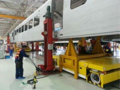 Tandemvoertuig voor vervoer van de wagencarrosserie
