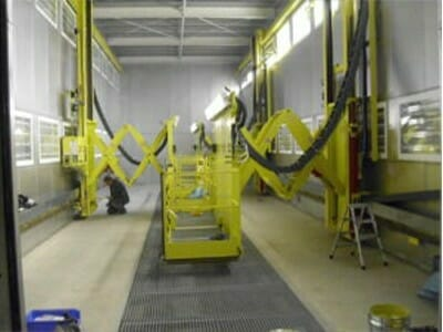 Movable lifting platforms in yellow