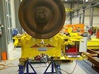 Wheel set turning device