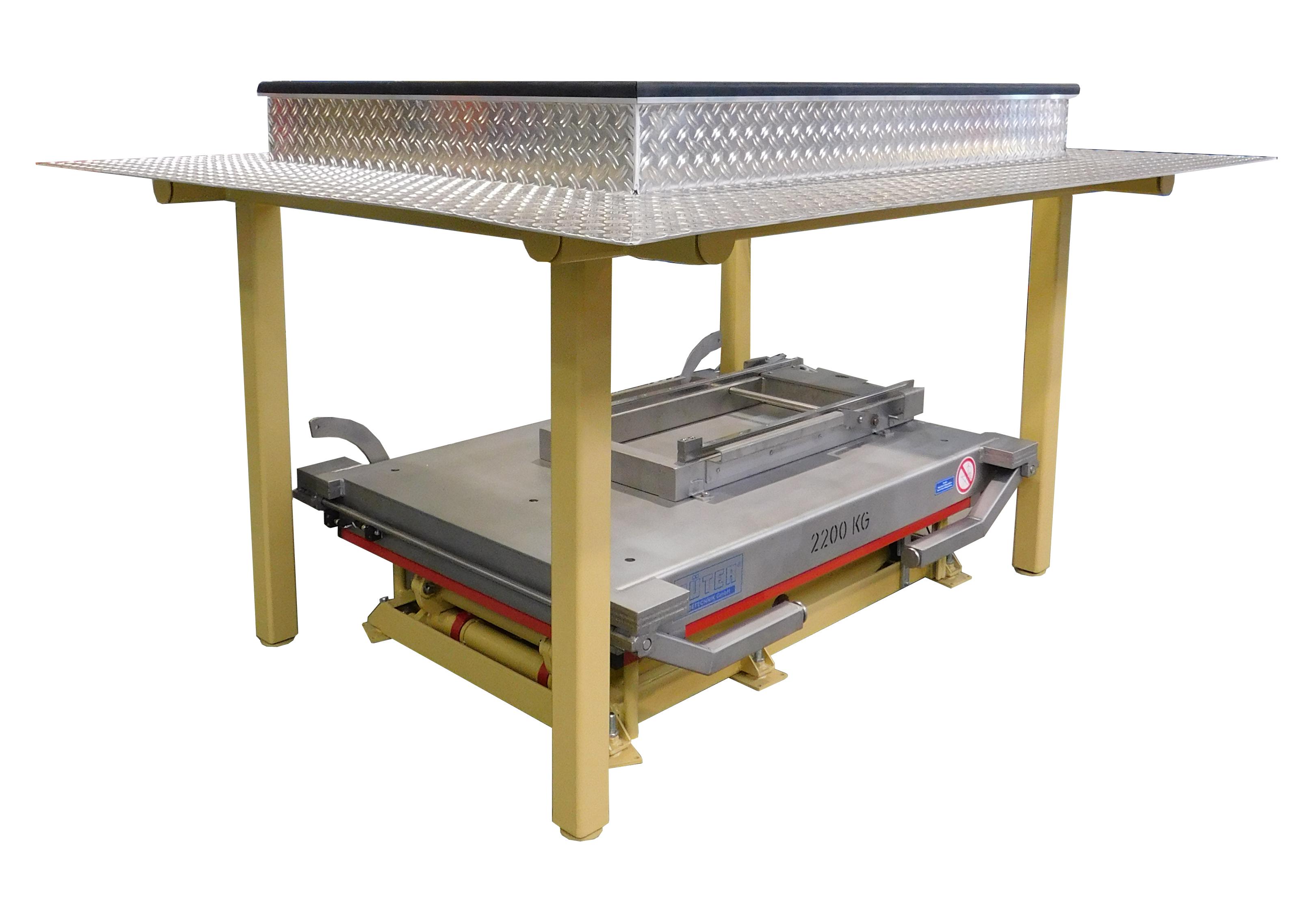 Foto Lifting tafel met transportband technologie ingetrokken