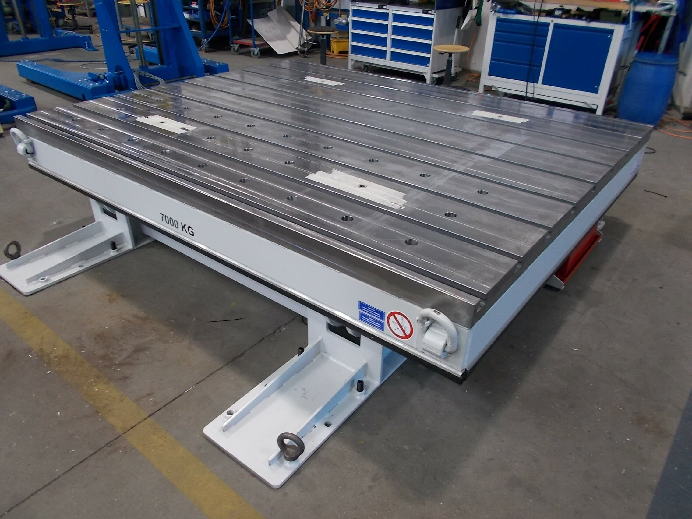 Figure Hydraulic tilting tables retracted