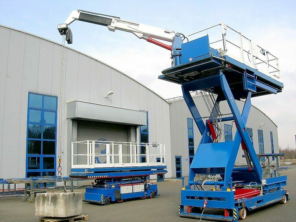 Schwerlasttransporter Sonderfahrzeuge in blau