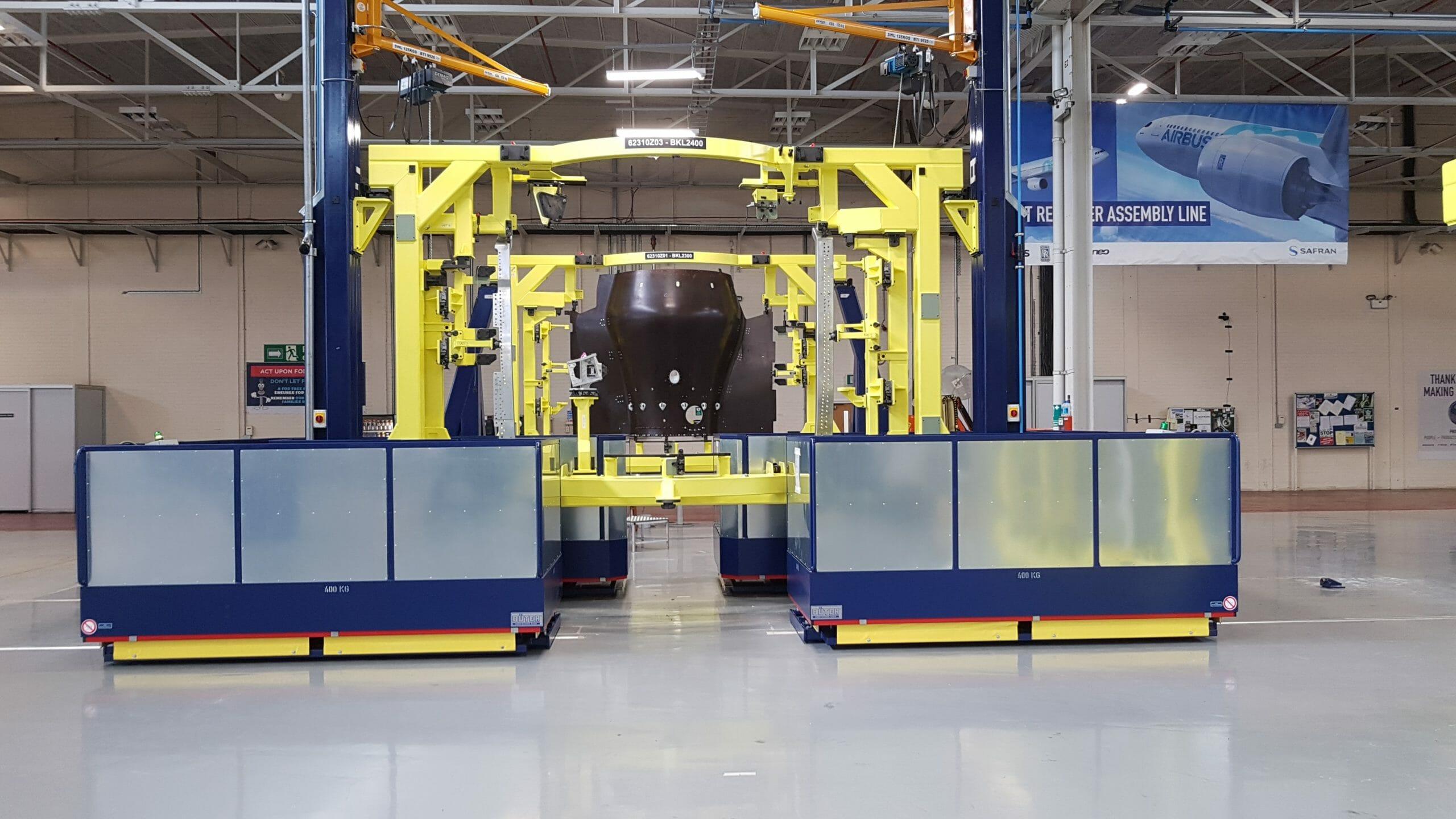 Fahrbare Hubarbeitsbühne groß